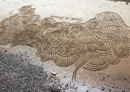 Sand drawing, Photo by Todd Huffman