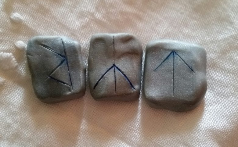 Raidho reversed - The Weekly Rune on Intentional Insights - by S. Kelley Harrell, Soul Intent Arts
